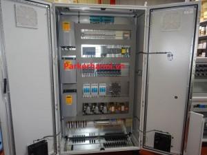 TỦ ĐIỀU KHIỂN PARKER SSD 590+